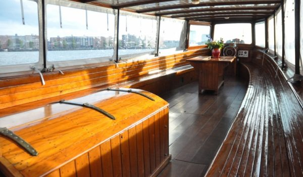 Salonboot Old Queen binnenkant interieur