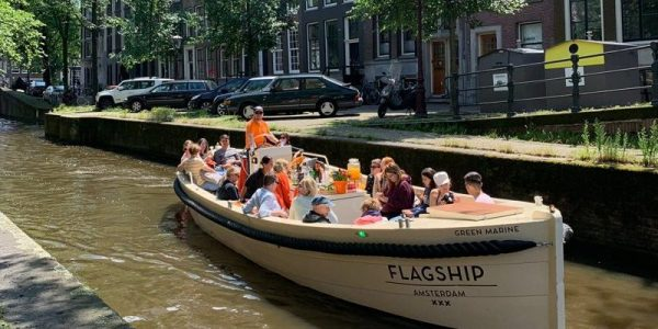 Sloep the green marine bootuitje amsterdamse grachten